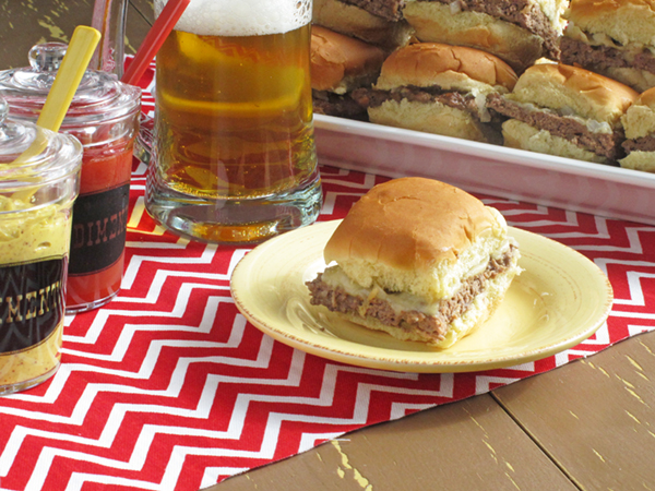 Super Bowl Worthy Cheeseburger Sliders