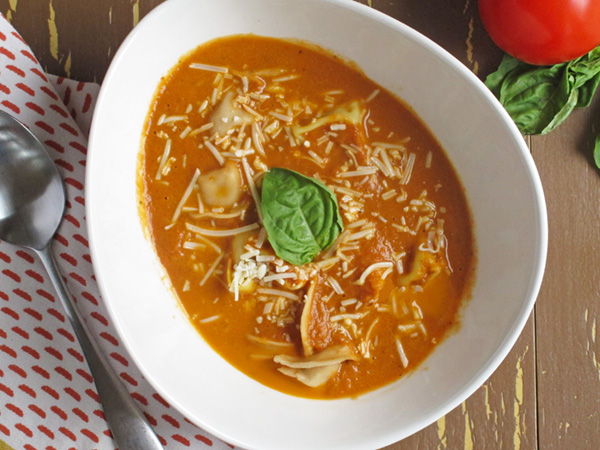 Slow Cooker Creamy Tomato Basil Soup with Tortellini